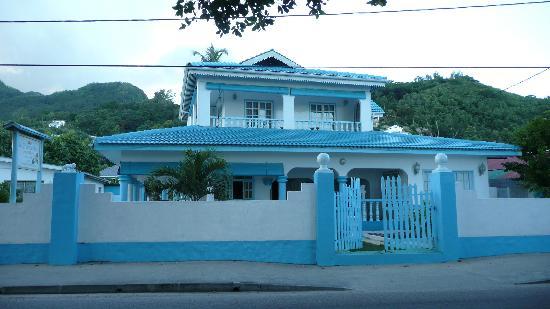 Le Chateau Bleu: ext. of Chateau Bleu