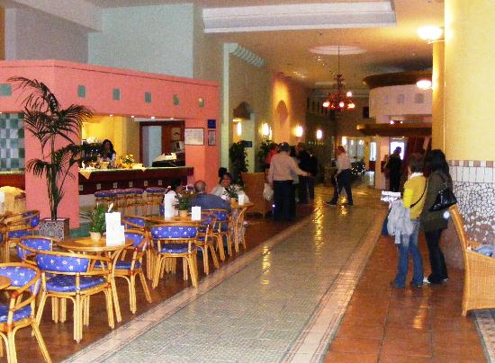 Le Terrazze: Lobby and bar
