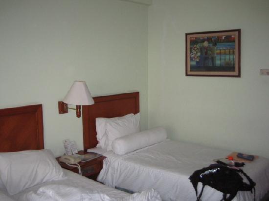 The Sunan Hotel Solo : New Bedspread