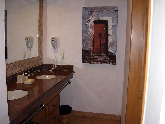 The Royal Haciendas, All Inclusive, All Suites Resort: Bathroom