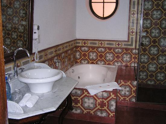Parador Santa Maria la Real: Bathroom - Room 207