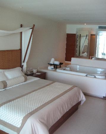 Sun Palace: Room 620