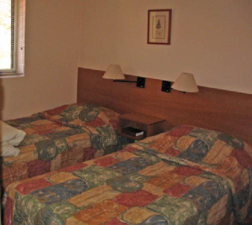 Elphin Villas, Motel & Serviced Apartments: Second bedroom