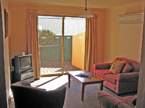 Elphin Villas, Motel & Serviced Apartments: Sitting/Lounge area