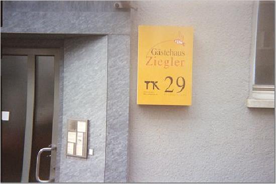 Gästehaus Ziegler: Entrance