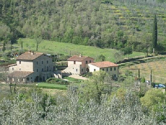 Casa Portagioia: View of Casa P from nearby hill