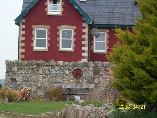 Rigney's Farmhouse Bed & Breakfast: A view of the farmhouse