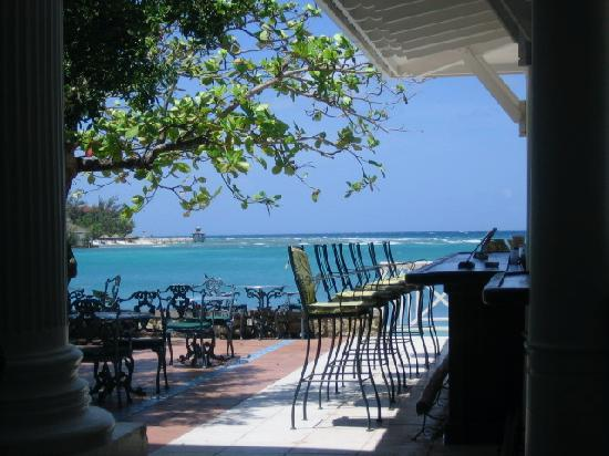 Half Moon : View of the turquoise ocean from the main lobby bar! Amazing!