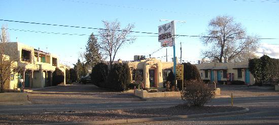 Western Scene Motel Picture