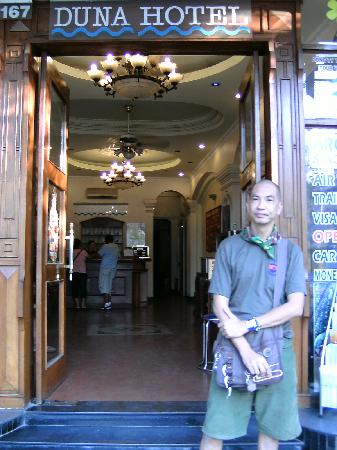 Duna Hotel: Me at the hotel entrance