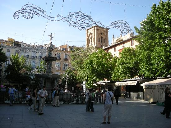Hostal Zacatin : Plaza Bib Rambla, where the hostal is located