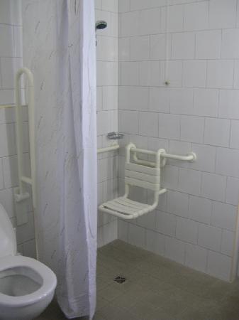 Bregenz Youth Hostel: room 114