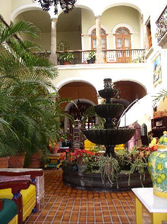 Hotel San Francisco Plaza: Courtyard