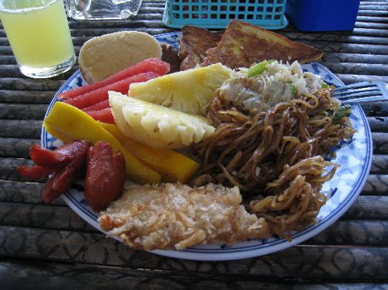 Tonsai Bay Resort: Buffet breakfast