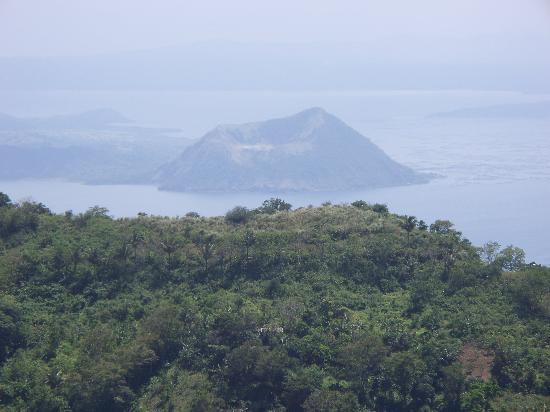 Tagaytay Econo Inn: Lake Taal Volcano