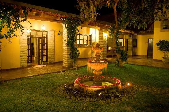 Quinta San Carlos: Halls La Quinta