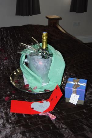 Kings Acre: Champagne & Rose petals