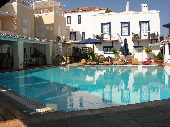 Spetses Town, Yunanistan: Zoe's Club: The pool