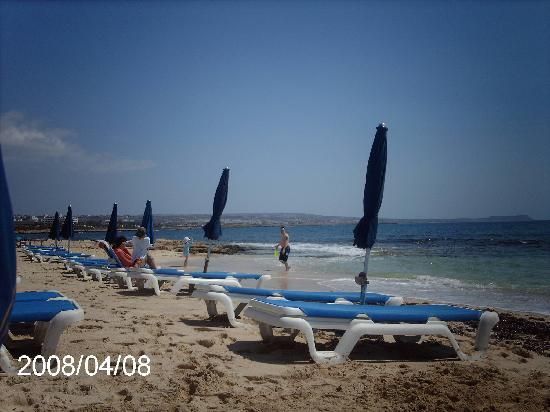 Asterias Beach Hotel: Lovely Beach