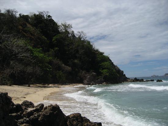 Club Paradise Palawan: Hidden Beach on the opposite side of the island.
