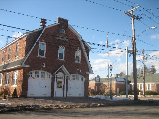 Newington, CT: Firehouse 21 on Main Street