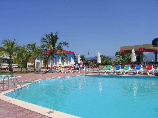 La belle piscine picture of club amigo costasur playa for Club piscine a laval