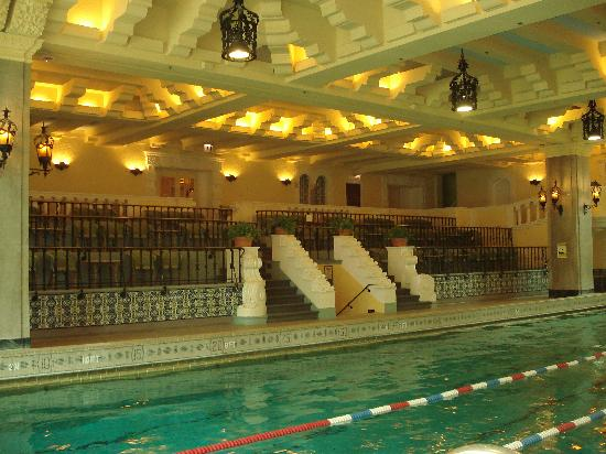 Ih chicago swimming pool picture of intercontinental for Spa hotel chicago