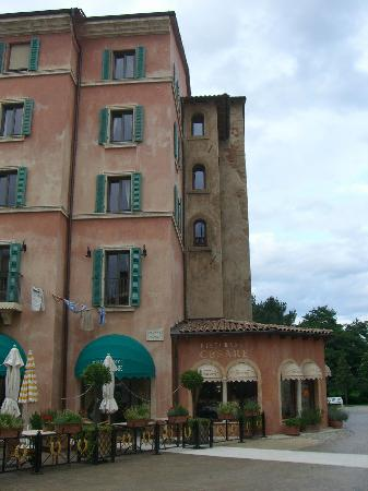 "Hotel ""Colosseo"" Europa-Park: hotel yard 5"