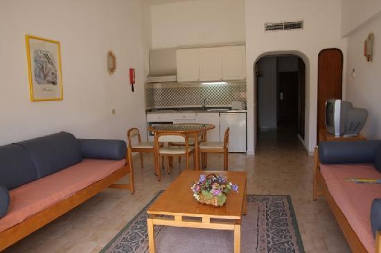 Hotel Apartamento Brisa Sol: Living room