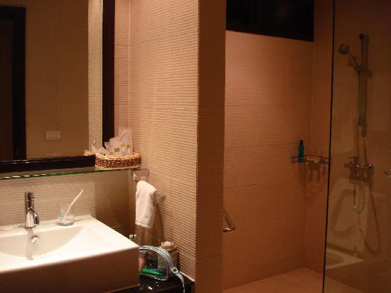Abloom Exclusive Serviced Apartments: Bathroom