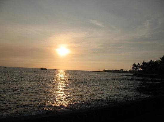 Kailua-Kona, HI: SUNSET