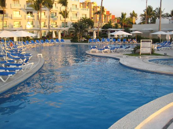Nice pools picture of hard rock hotel vallarta nuevo vallarta tripadvisor for Nice hotels with swimming pool