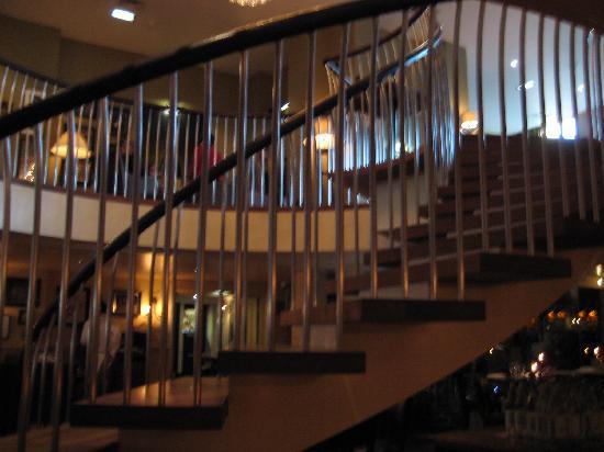 Hotel du Vin Cheltenham: Looking upstairs from the Restraunt