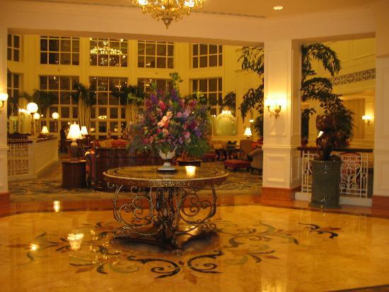 Hong Kong Disneyland Hotel Photo