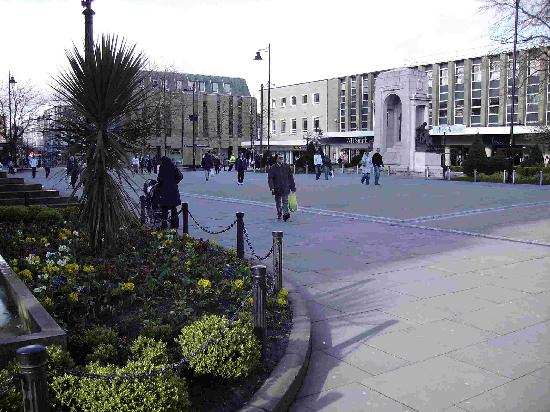 Bolton, UK: Late March 2008, Victoria Square