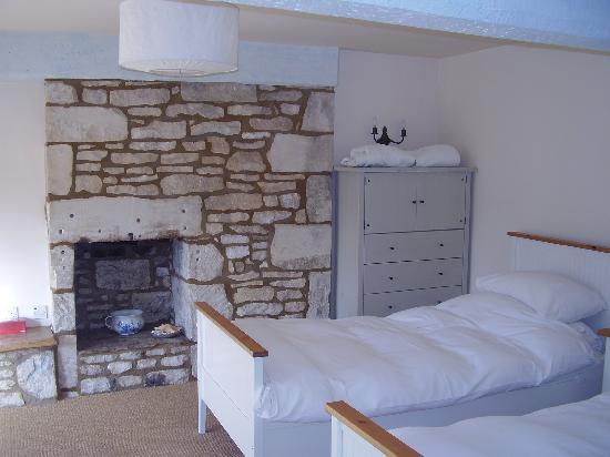 Wild Garlic Restaurant & Rooms: Twin room