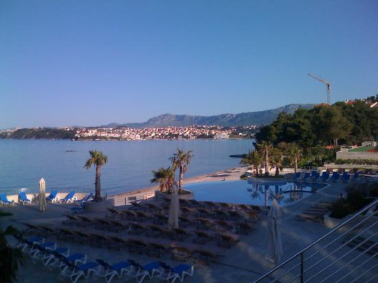 Le Meridien Lav Split : View from the poolside
