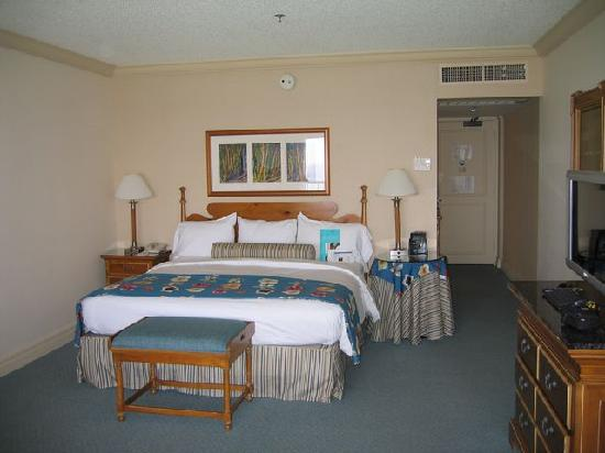 Hilton Hawaiian Village Rooms Suites Photo Gallery: Ali'i Tower Oceanfront Room