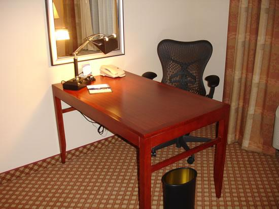 Hilton Garden Inn Tucson Airport: good workspace, free wireless Internet