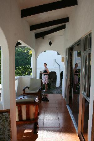 라자레 피카울트 호텔