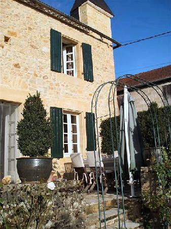Le Mas de Hiboux : Terrace for breakfasts