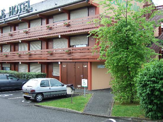 Campanile Lourdes : Hotel im Stil amerikanischer Motels