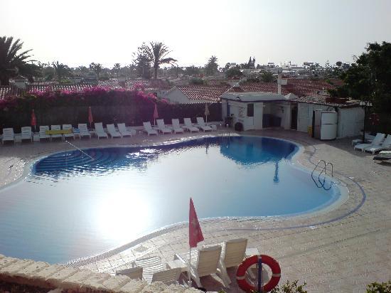 Piscina bild fr n tamaran apartments playa del ingl s for Piscina playa del ingles