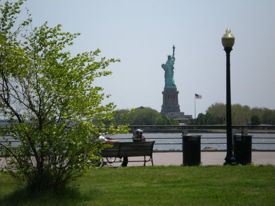 Jersey City, NJ : The view of Lady Liberty from Liberty State Park