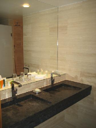 Avalon Hotel : Bathroom