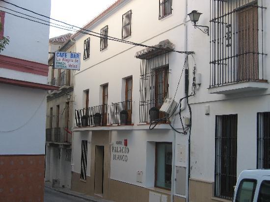 Hotel Palacio Blanco: Front of Hotel