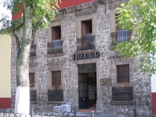 Hotel El Carmen: front of the hotel