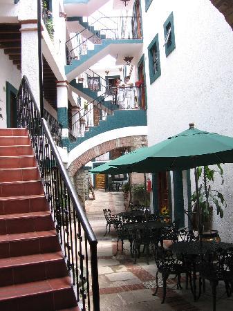Meson Del Rosario: area outside of rooms