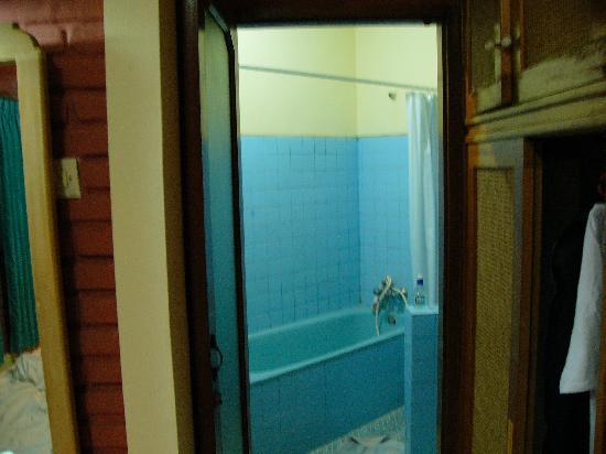 Bali Village Hotel: bathroom