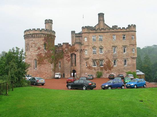 Dalhousie Castle: Main Entrance
